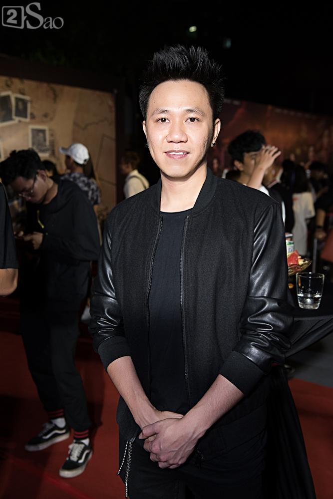 Thu Trang và Diệu Nhi diện đầm bốc lửa ra mắt phim Chị Mười Ba-16