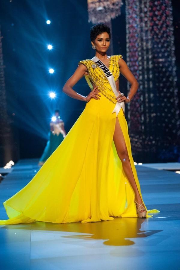 Muôn vàn phản ứng của netizen quốc tế về câu nói của HHen Niê trên trang chủ Miss Universe-7