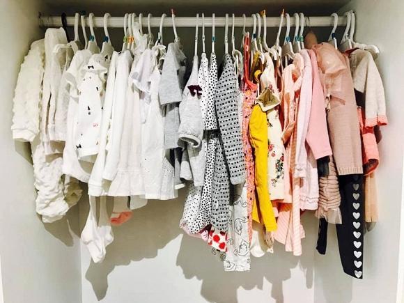 Mới hơn 1 tháng tuổi, con gái Thân Thúy Hà đã được mẹ sắm cho tủ quần áo khủng-4