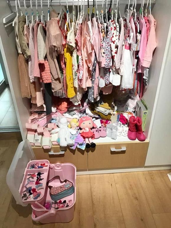 Mới hơn 1 tháng tuổi, con gái Thân Thúy Hà đã được mẹ sắm cho tủ quần áo khủng-6