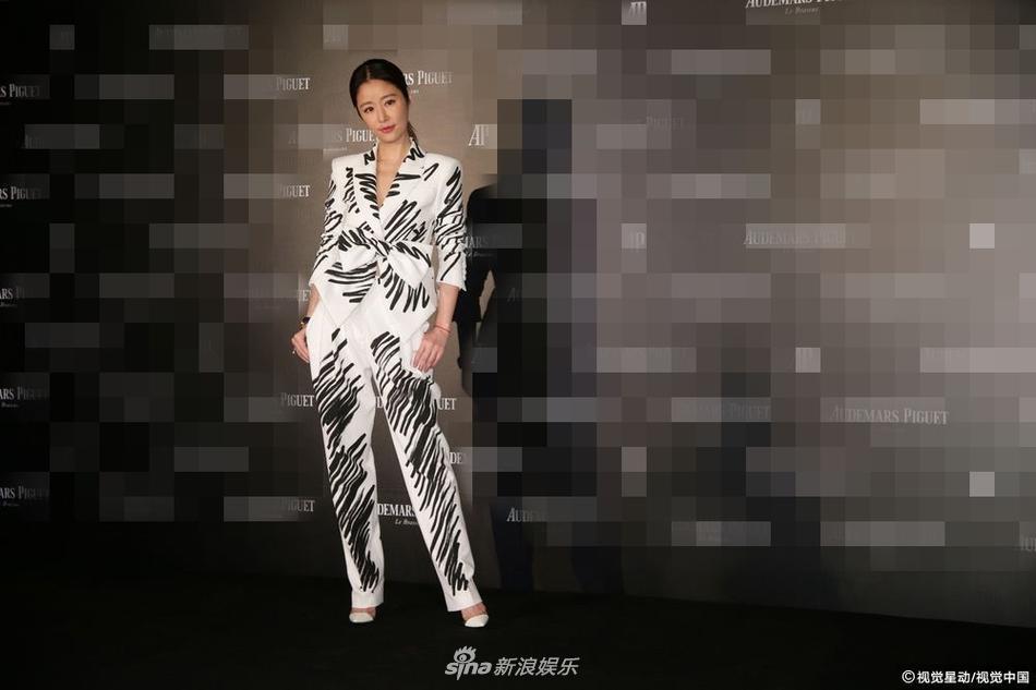 U50 Lâm Tâm Như khoe nhan sắc trẻ đẹp, tiết lộ hạnh phúc viên mãn bên ông xã Hoắc Kiến Hoa-3