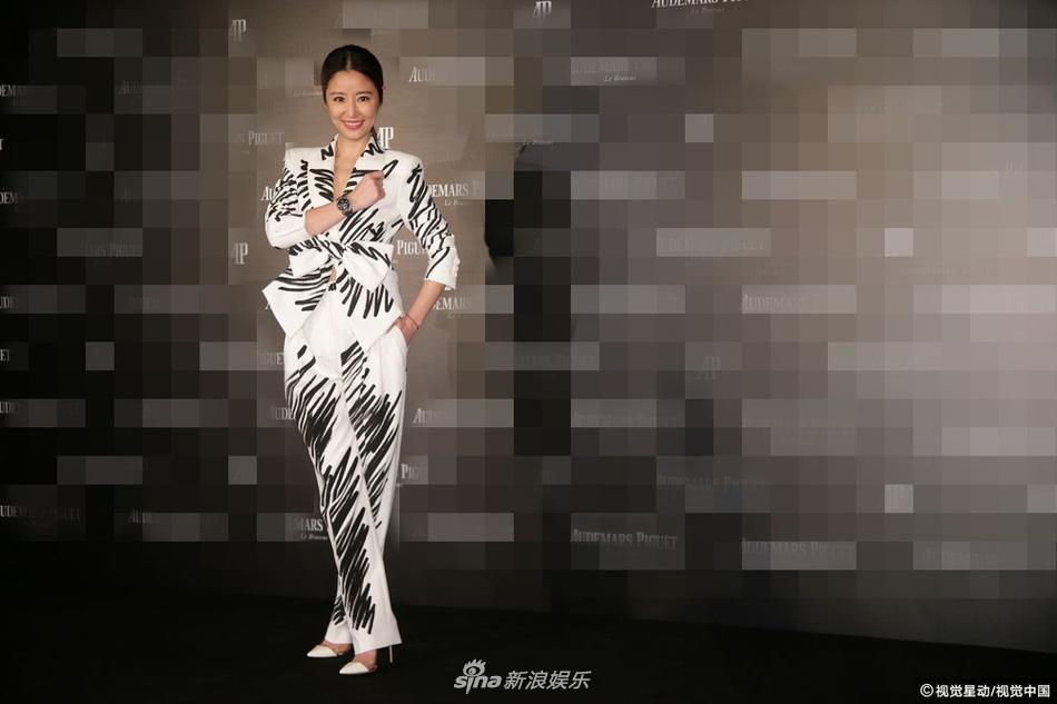 U50 Lâm Tâm Như khoe nhan sắc trẻ đẹp, tiết lộ hạnh phúc viên mãn bên ông xã Hoắc Kiến Hoa-4