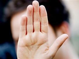 Giơ ngón út lên và quan sát 3 giây, biết ngay về già sướng hay khổ, hôn nhân viên mãn hay trái ngang