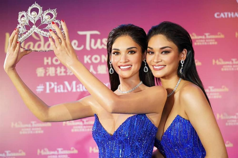 Người thật và tượng sáp giống đến kinh ngạc, đố bạn chỉ chính xác ai là Hoa hậu Hoàn vũ Pia-5