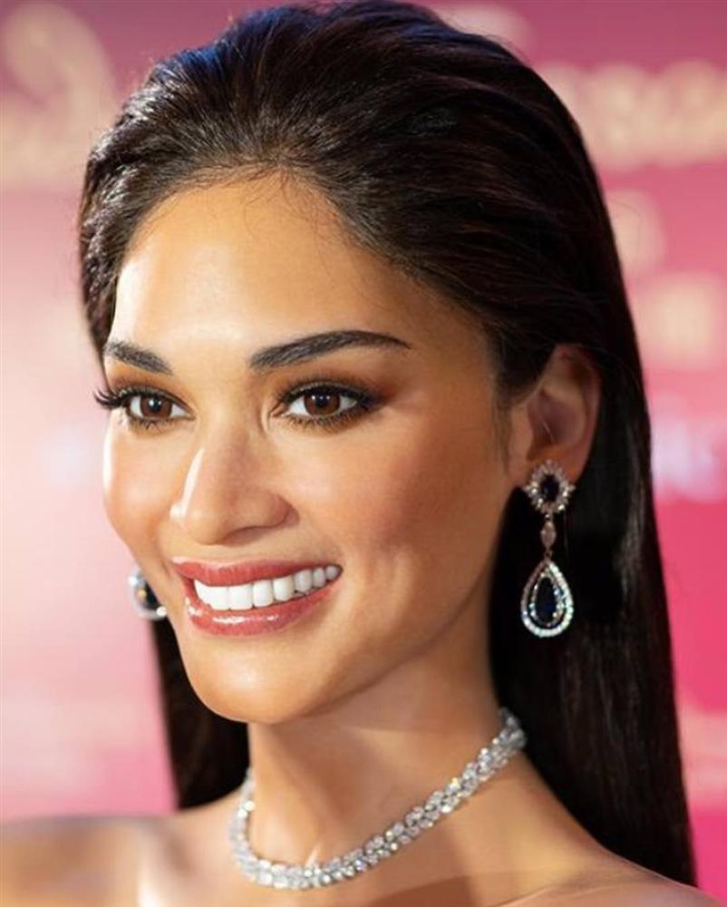 Người thật và tượng sáp giống đến kinh ngạc, đố bạn chỉ chính xác ai là Hoa hậu Hoàn vũ Pia-4