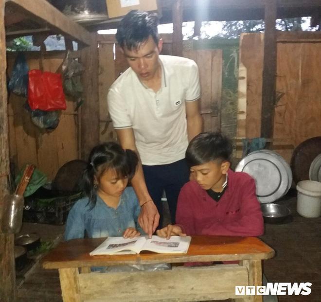 Cậu bé đạp xe hơn 100 km từ Sơn La xuống Hà Nội thăm em: Cháu không thấy mệt-2