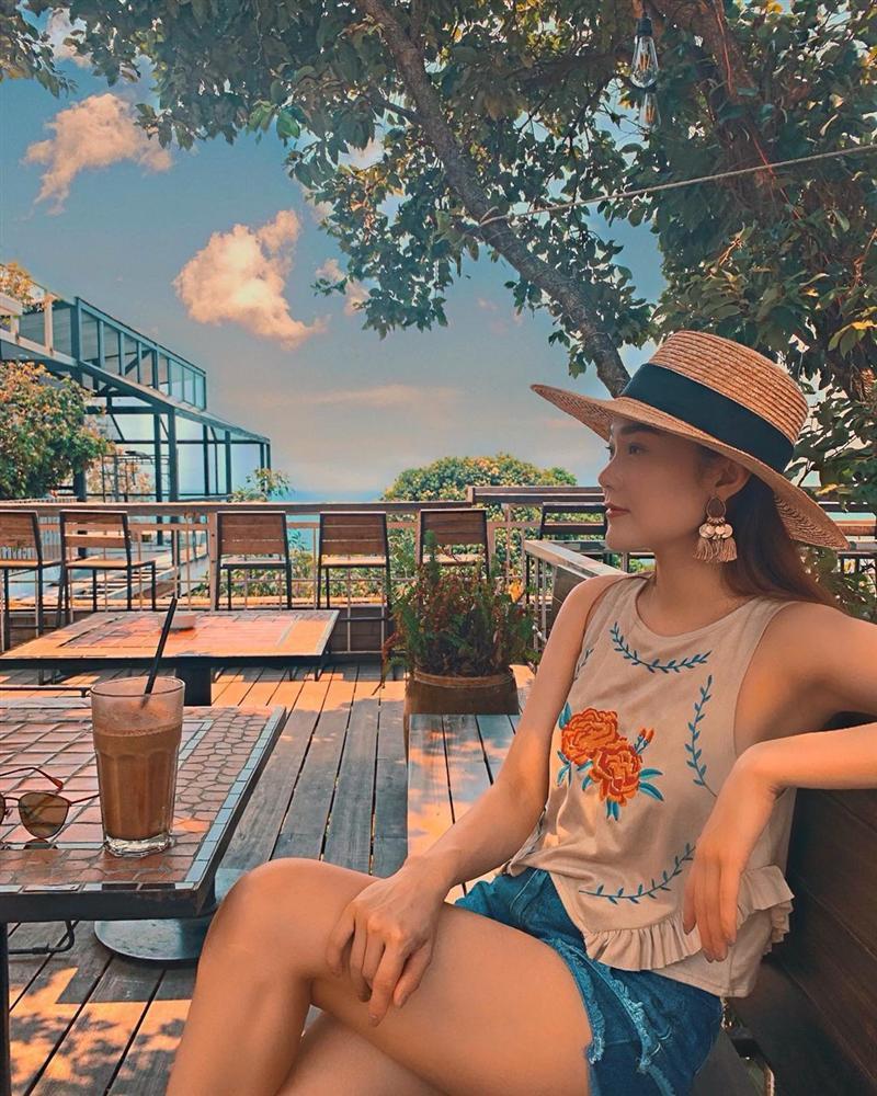 Xịt máu mũi với màn phô da thịt của Đào Bá Lộc - Hà Hồ & Kim Lý khoe street style đẹp đến nỗi sao Việt thi nhau ship về chung 1 nhà-7