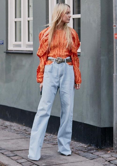 Đố ai dám liều mặc chiếc quần jeans cũn cỡn như quần chip-1