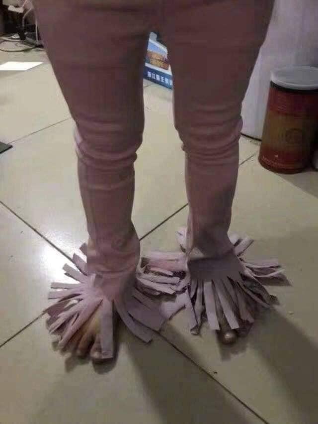 Đỉnh cao khóc không thành tiếng vì mua hàng online: Đặt mua quần ống loe nhận về chiếc chổi xể-2