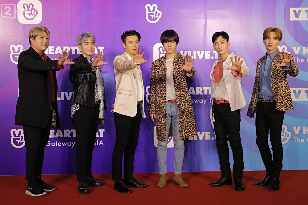 Tưởng hết thời, có ai ngờ đâu Super Junior vẫn chẳng khác nào ông hoàng trên thảm đỏ-1