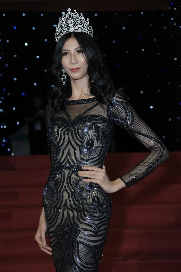 Từng tuyên bố kế nhiệm HHen Niê, thánh hài Cao Ngân bị réo tên ngay thời khắc Hoa hậu Hoàn vũ Việt Nam 2019 khởi động-7