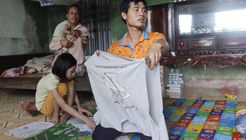 Chú ruột nữ sinh Hưng Yên: Tôi không cầm được nước mắt khi xem cháu bị lột quần áo-1