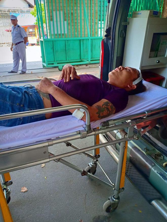 Kinh hoàng 2 thanh niên bị nhóm giang hồ Sài Gòn truy sát từ bãi giữ xe đến Bệnh viện Chợ Rẫy-4