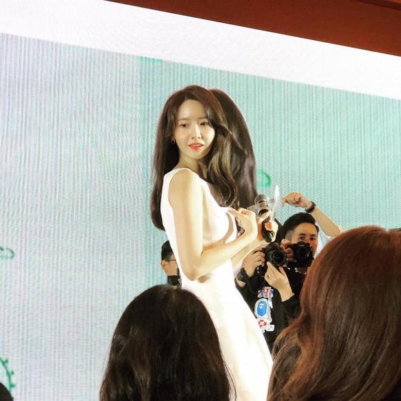 Yoona khuynh đảo Singapore với hình ảnh thiên thần váy trắng-2