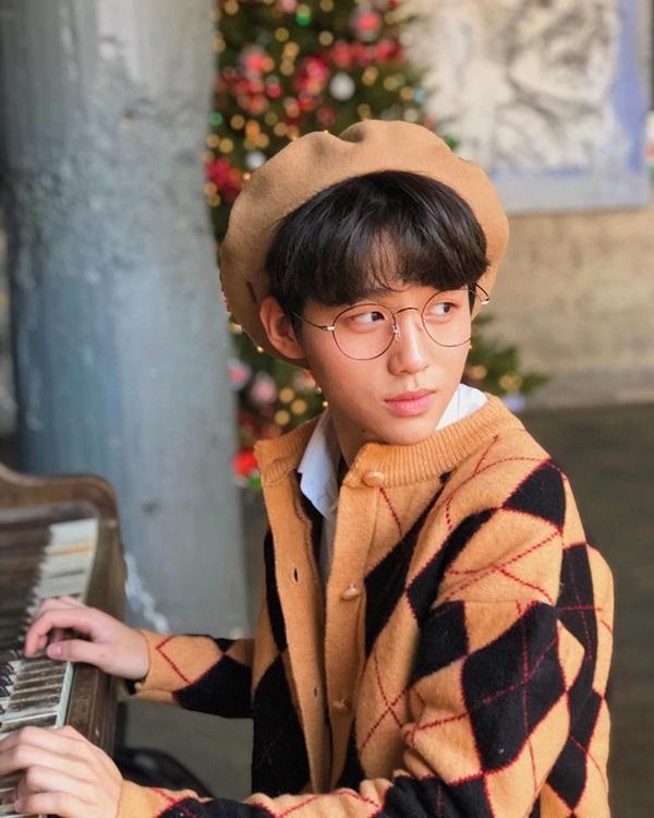 Lộ diện thành viên mới của rich kids Việt: Em ruột Trinh Hoàng, 15 tuổi, đẹp trai như nam thần-8