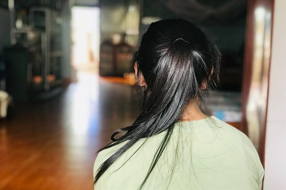 Bố nữ sinh lột đồ, đánh bạn dã man ở Hưng Yên: Dù phải quỳ xin lỗi để con gái có cơ hội sửa sai, tôi cũng chấp nhận-2