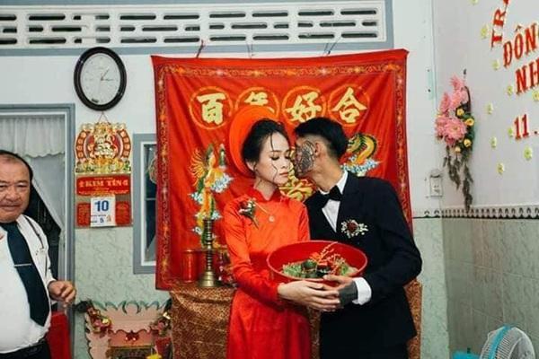 Xôn xao đám cưới của chú rể tha thu kín mặt chiếm trọn spotlight ngày Cá tháng tư-2