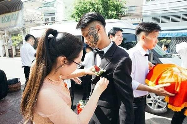 Xôn xao đám cưới của chú rể tha thu kín mặt chiếm trọn spotlight ngày Cá tháng tư-3