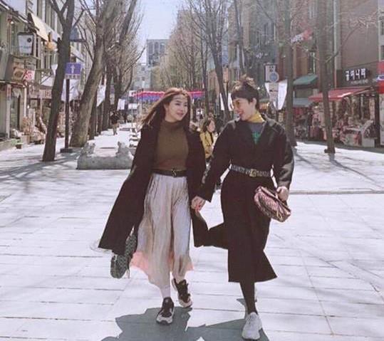 Tóc Tiên, Hoàng Touliver du lịch Hàn Quốc cùng vợ chồng Hạt Mít-1