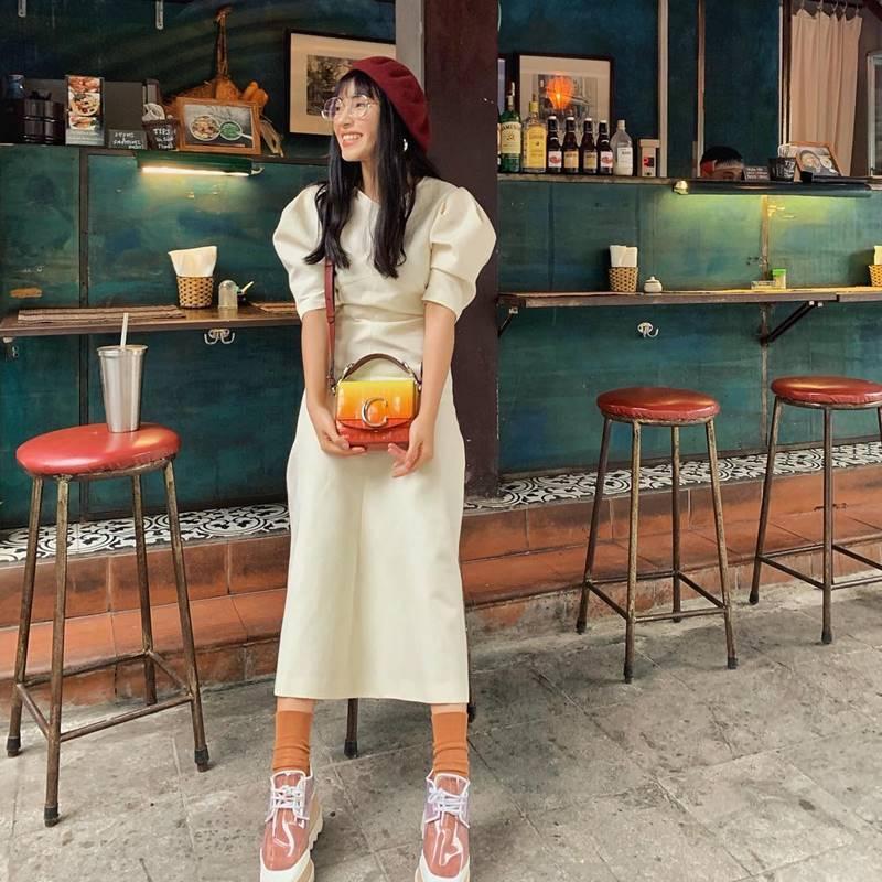 STREET STYLE giới trẻ: Jun Vũ - Han Sara đọ eo con kiến, Hoàng Ku khoe body mà fan chỉ chú ý vào nơi nhạy cảm-10