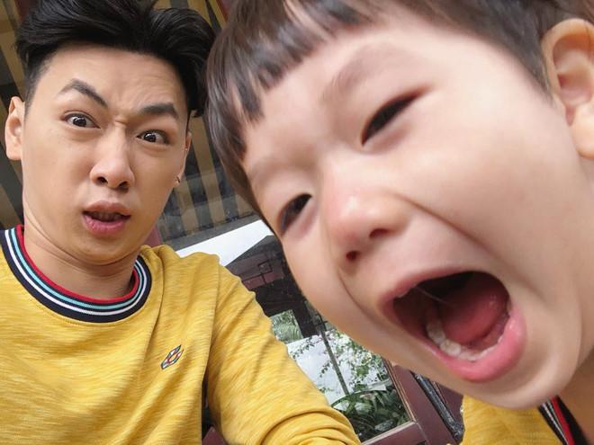 Dân mạng gọi Ba Duy - bé Đậu là cặp bố con hài hước nhất mạng xã hội-4