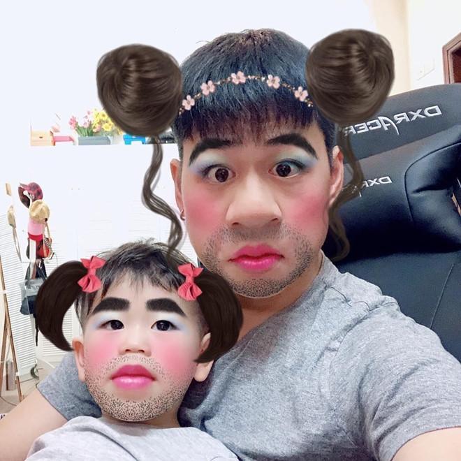 Dân mạng gọi Ba Duy - bé Đậu là cặp bố con hài hước nhất mạng xã hội-5