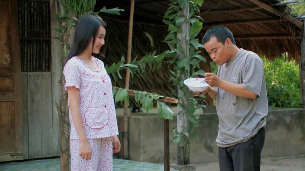 Những hồng nhan bạc mệnh trên màn ảnh Việt: Người bị tạt axit, kẻ phải bán con-6