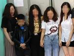 Cảnh sát bao vây quán bar ở Sài Gòn, phát hiện gần 150 dân chơi nghi phê ma tuý-4