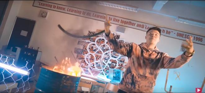 Dùng lời lẽ tục tĩu thoá mạ Jisoo Blackpink, nam rapper Việt từng đốt sách học sinh bị đồng loạt kêu gọi tẩy chay-1
