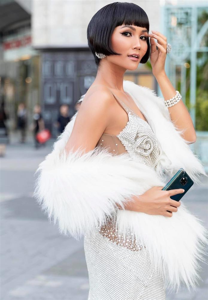 Chán tóc tém tomboy, Hoa hậu HHen Niê gây thích thú với kiểu tóc bob xinh tựa búp bê-4