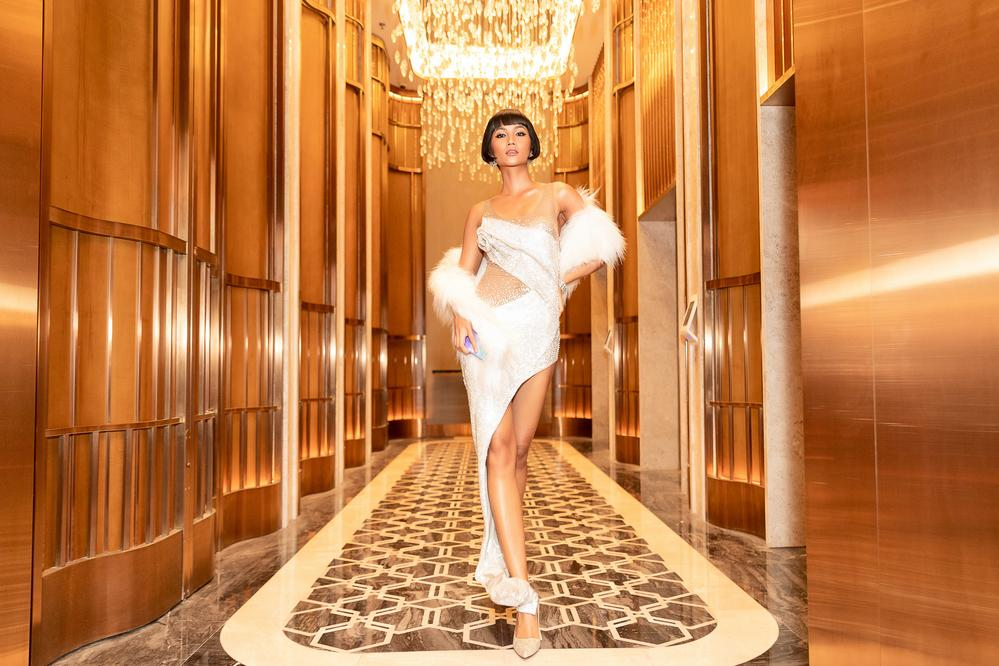 Chán tóc tém tomboy, Hoa hậu HHen Niê gây thích thú với kiểu tóc bob xinh tựa búp bê-6
