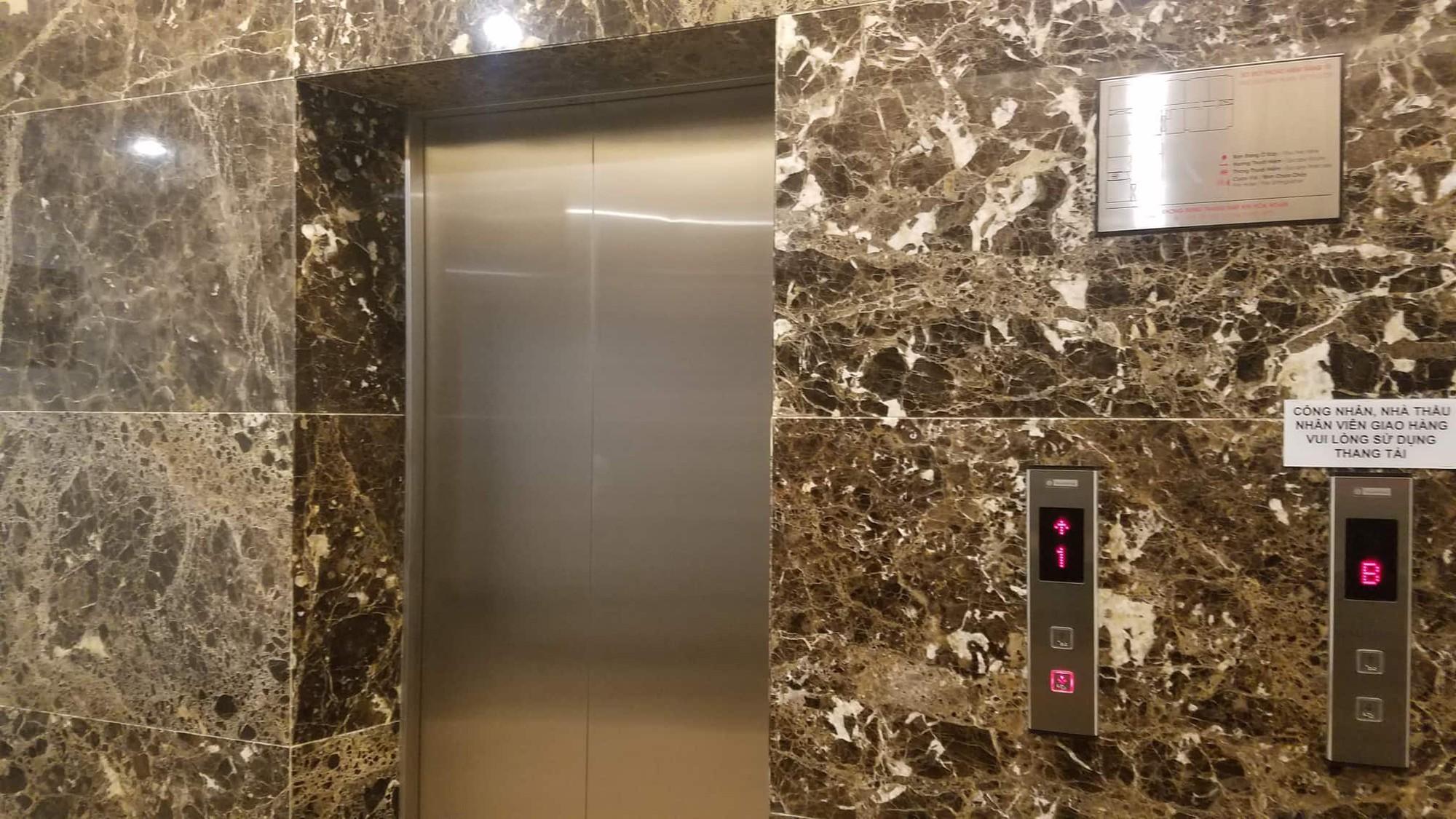 Vụ gã đàn ông sàm sỡ bé gái trong thang máy chung cư ở Sài Gòn: Gia đình nạn nhân không muốn tố giác-1
