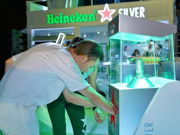 Tấp nập trải nghiệm Heineken Silver tại The World of Heineken-3