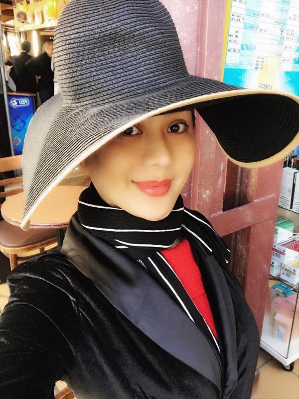 Từ xinh đẹp thành già nua, Lâm Khánh Chi thay đổi diện mạo đến bất ngờ cũng tại điều này-2