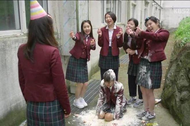 8 bộ phim về tội ác học đường chấn động màn ảnh châu Á-3