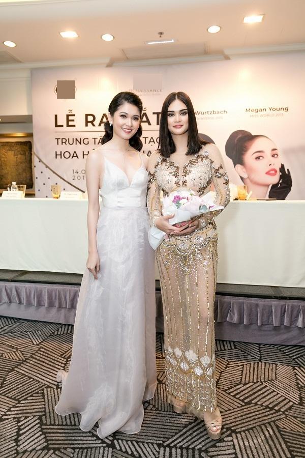 Đừng tưởng Hoa hậu Hoàn vũ Pia lùn mà dễ chặt, rất nhiều mỹ nhân Việt đình đám thần thái vẫn kém xa cô ấy-7
