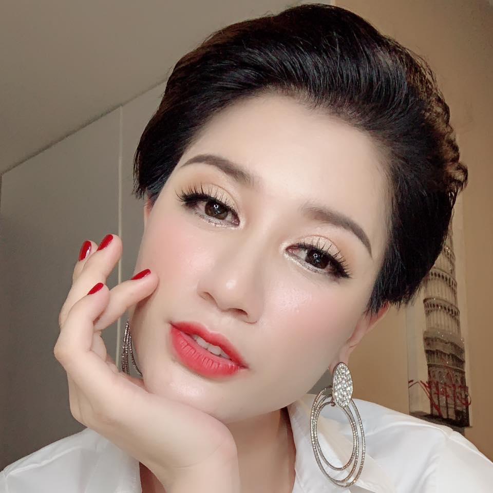 Là người đầu tiên khui clip bé gái bị sàm sỡ trong thang máy, Trang Trần hé lộ: Tôi cũng từng là nạn nhân của một lão già-3