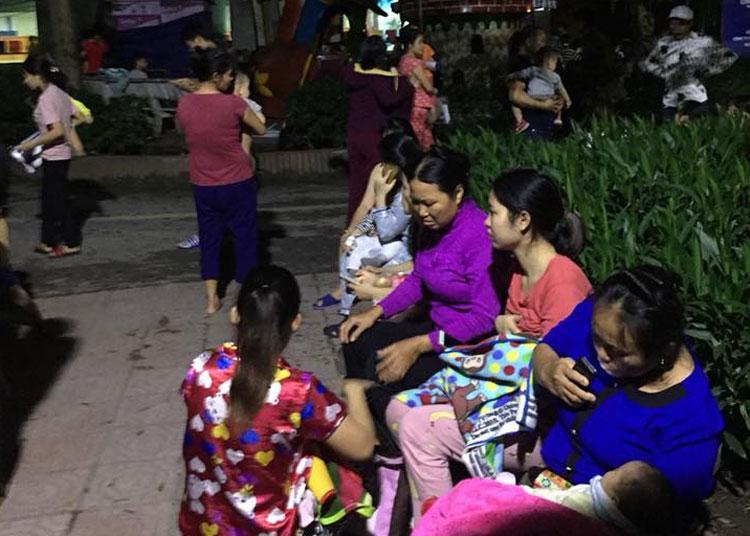 Cháy ở Bệnh viện Nhi Trung ương, bệnh nhân hốt hoảng sơ tán trong đêm-2