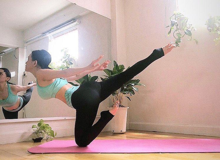 Sĩ Thanh tập những tư thế yoga siêu khó mà vặn vẹo như con thằn lằn-6