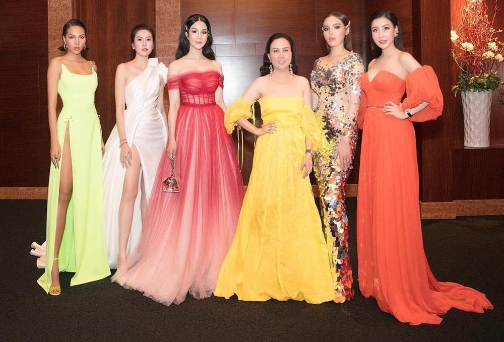 Phượng Chanel mặc váy 100 triệu mà như hàng chợ, Quách Ngọc Ngoan bênh: Váy đẹp, người đẹp thế mà chê-3