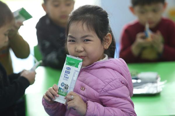 Gần 1 triệu trẻ Hà Nội uống 'Sữa học đường'-1