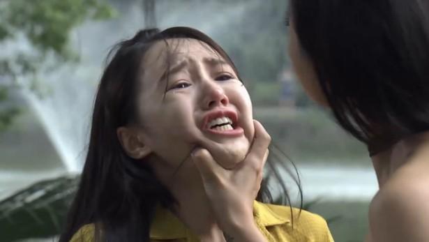 Muôn kiểu đánh ghen trên phim Việt: người ăn liên hoàn tát, kẻ hứng trọn can axit-4