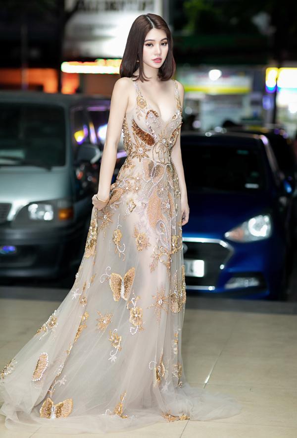 Chẳng hẹn mà mặc, Bích Phương - Mỹ Tâm - Hương Giang lăng xê trang phục sắc tím đẹp ngất ngây thảm đỏ tuần qua-9