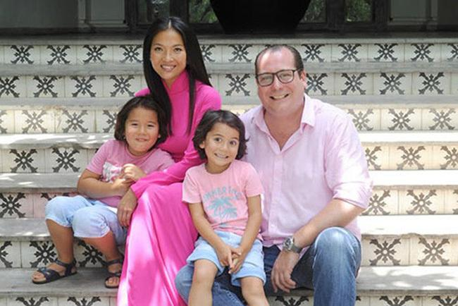 Người đẹp Việt và những cuộc tình kẻ khóc người cười với chồng Tây-5