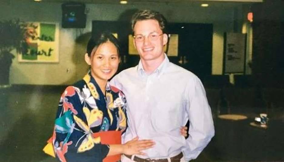 Vợ mới cùng chồng cũ Hồng Nhung đã yêu nhau 20 năm trước-1