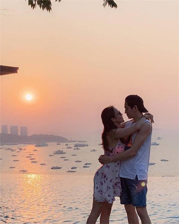 Hôn nhân của Hoa hậu World Cup và mỹ nam kém 17 tuổi: Đau đầu vì lấy chồng đáng tuổi cháu-10