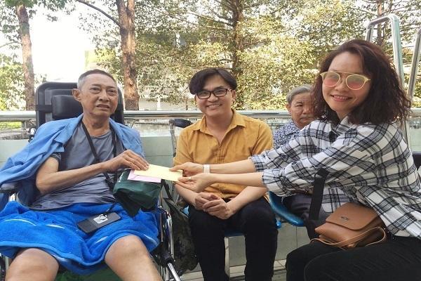 MC Đại Nghĩa trao hơn 270 triệu cho nghệ sĩ Lê Bình chữa ung thư-2