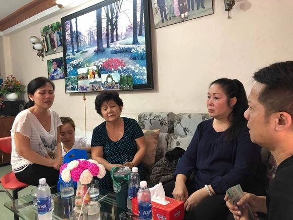 Sự thật việc Cát Phượng thả icon mặt cười dưới status mà NSND Hồng Vân chia sẻ về Anh Vũ-2