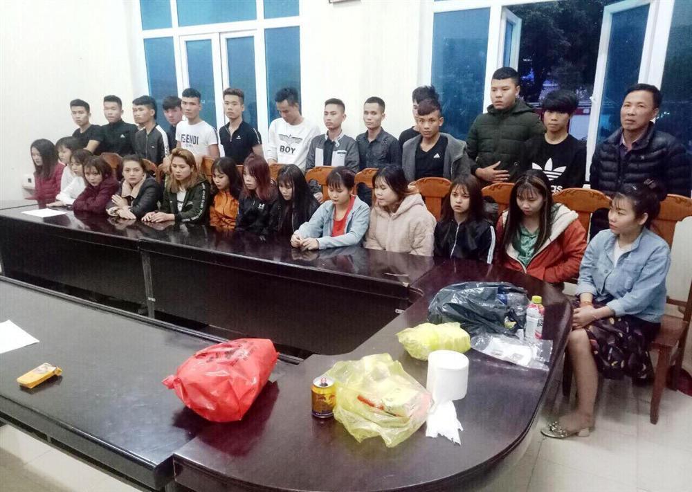 Thanh Hóa: Phát hiện 27 nam thanh nữ tú có mặt trong bữa tiệc ma túy tại phòng karaoke-1