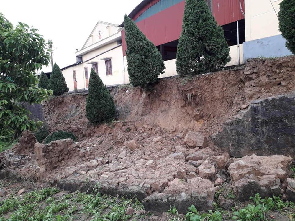 30 phút mưa đá, trắng xóa nhiều làng bản ở Nghệ An-7